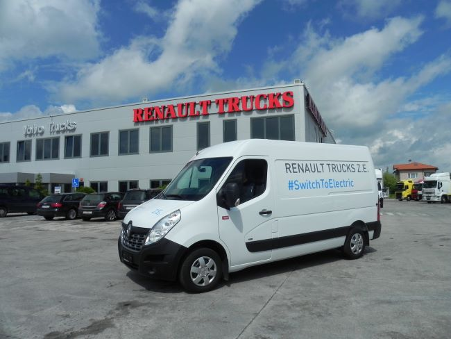 Тест: Renault Master Z.E. – да превключим на ток (Видео)