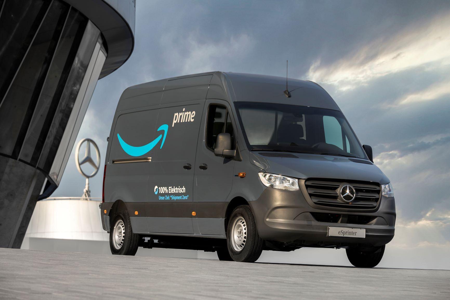 1800 е-ванове от Mercedes за Amazon